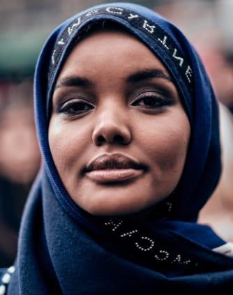 Halima Aden Otroška biografija.
